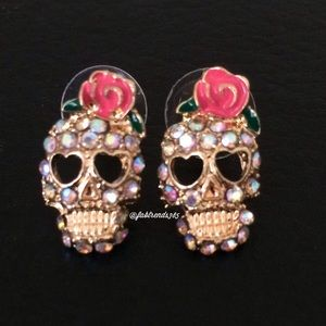 Jewelry - SPARKLY SKULL EARRINGS
